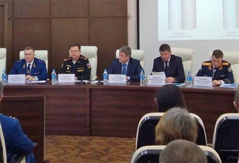 Открытый разговор нового зам. генпрокурора РФ с приморцами начался за закрытыми дверьми