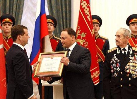 Экс-мэр Владивостока поздравил приморцев с Днем защитника Отечества