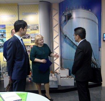 Музей ХНПЗ посетили большие гости