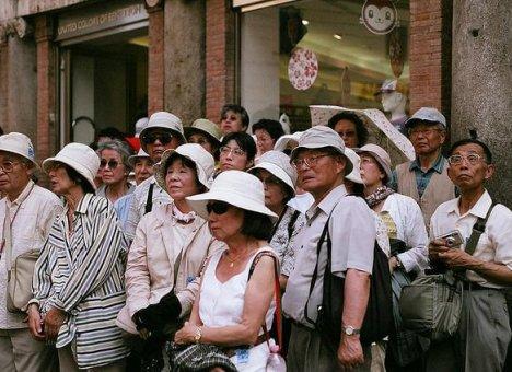 Японцы и корейцы бросились скупать билеты во Владивосток