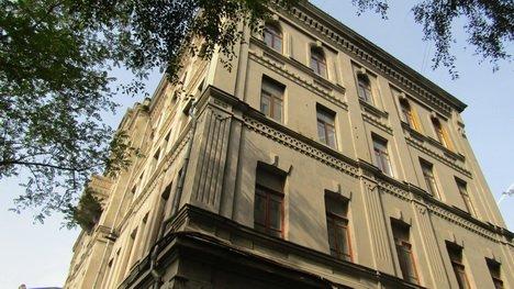 Одно из многострадальных зданий ДВФУ купили за бесценок и бросили