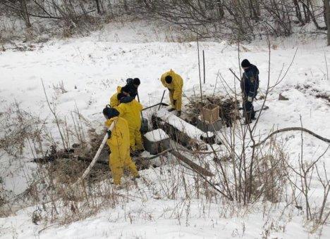 В Яковлевском районе Приморья оперативно ликвидируются последствия утечки нефтепродуктов