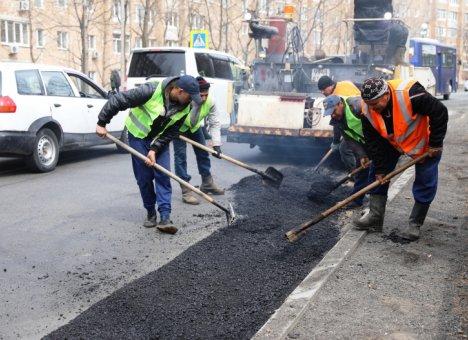 Во Владивостоке приступили к ремонту дорог