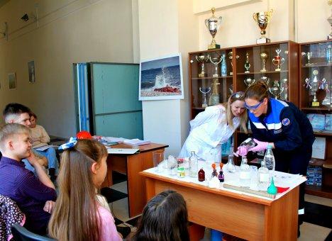 Экологический урок для детей провели сотрудники Приморских тепловых сетей ДГК