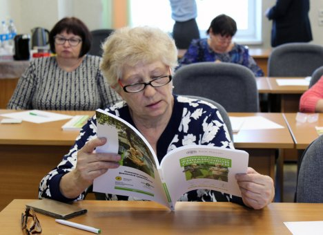 Пенсионеры Владивостока снова сели за парту