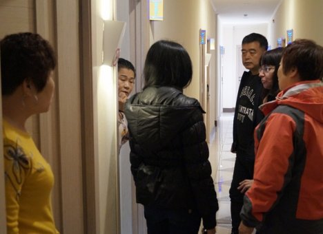 Силовики задержали троих иностранцев в самом центре Владивостока