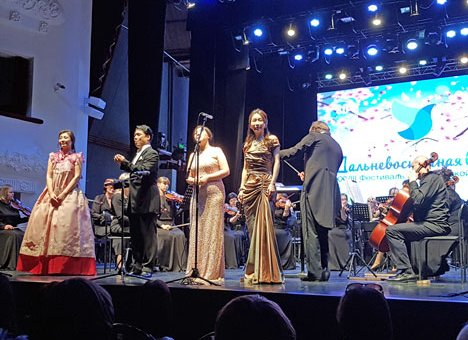 Солисты Сеульской оперы открыли