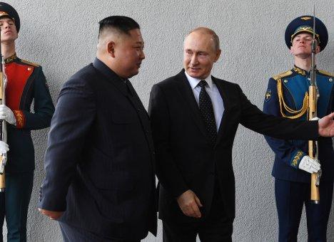 Путин и Ким Чен Ын долго разговаривали тет-а-тет...