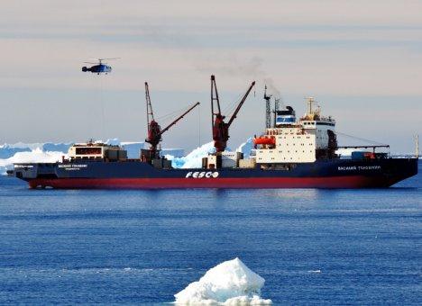 В Антарктиде на судне приморской компании погибли два моряка