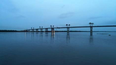 Российскую и китайскую части автомобильного моста