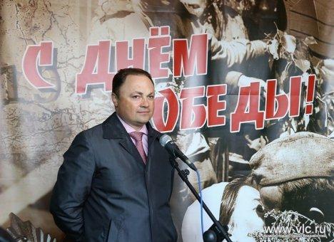 Экс-мэр Владивостока поздравил владивостокцев с Днем Победы