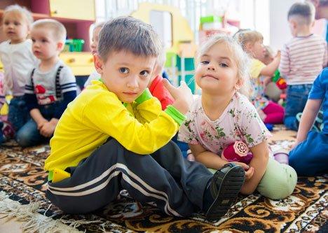 Во Владивостоке начали выдавать путевки в детские сады