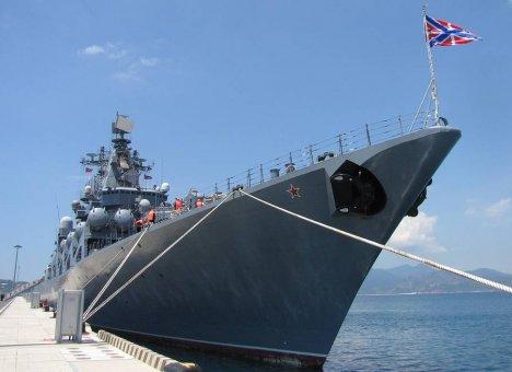 Литературный десант высадился на борту гвардейского крейсера