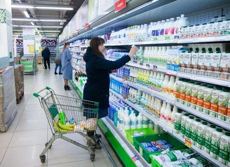 В магазинах Приморья сдерживают цены на молоко и мясо
