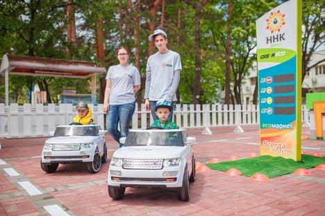 Более 10 тысяч хабаровчан посетили детский городок ННК на Дне города