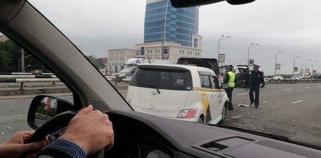 Серьезное ДТП с участием четырех машин перекрыло Некрасовский путепровод (фото)