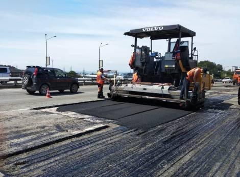 Начинается ремонт дороги на Окатовой во Владивостоке