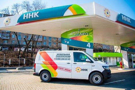 От Хабаровского НПЗ до бензобаков приморских автолюбителей – более 80 проверок качества топлива