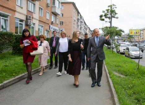 Владивосток избавляется от незаконной рекламы