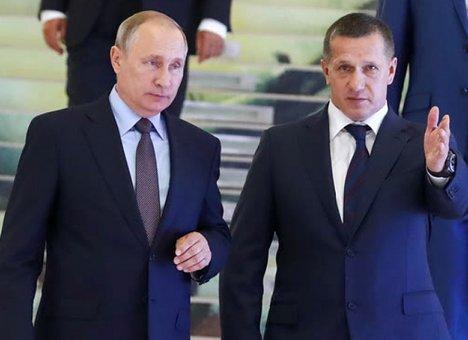 Полпред Трутнев не торопится выполнять указ президента Путина