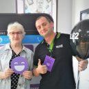 Сотрудники Tele2 во Владивостоке обучали пожилых людей новым технологиям