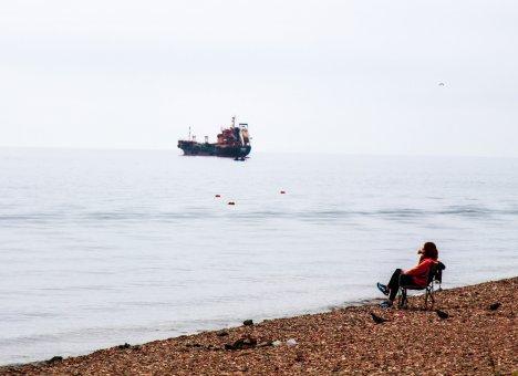 К острову Русский с моря не подойти