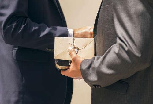 Правила обмена деловыми новогодними подарками