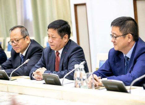 Вице-премьер Госсовета Ху Чуньхуа возглавит делегацию КНР на Восточном экономическом форуме