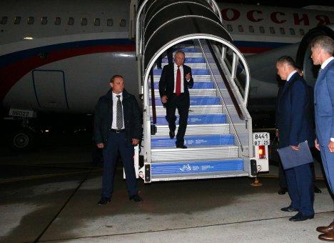 Путин уже во Владивостоке