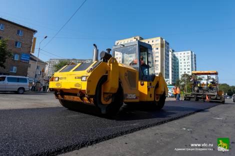 Дорожники должны укатать Владивосток в асфальт в указанный срок