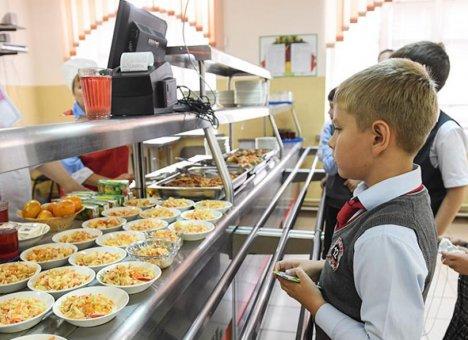 В Приморье нуждающимся семьям помогут с питанием детей
