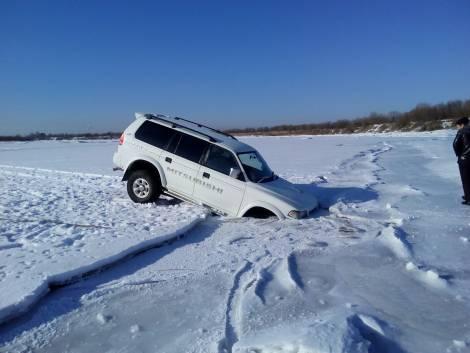 Во Владивосток выход на лед категорически запрещен