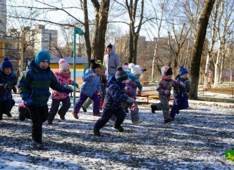 Все школы и детсады Владивостока начали охранять профессионально и круглосуточно