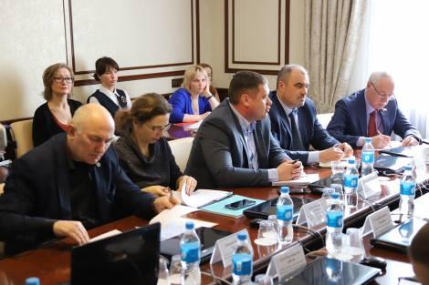Обновленный вариант маршрутной сети Владивостока представили в городской думе