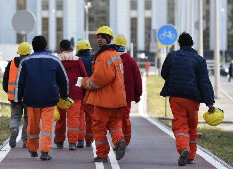 На острове Русском взбунтовались рабочие со