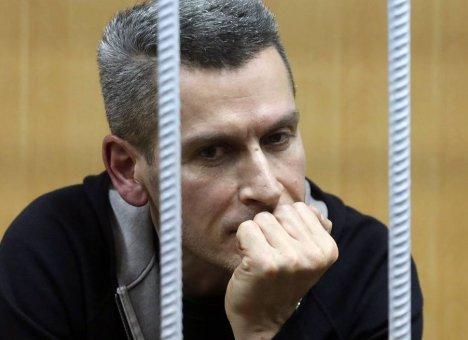 Суд продлил арест братьям Магомедовым