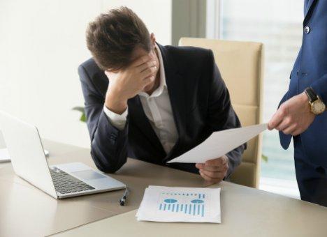 Работодатели в Приморье начали массово увольнять персонал