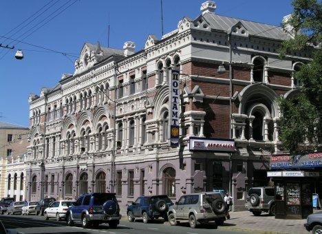 Приморцам предлагают выбрать пятерку самых красивых и интересных исторических зданий Владивостока