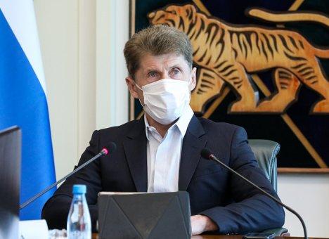 Олег Кожемяко: Масочный режим сохранится в Приморье еще надолго