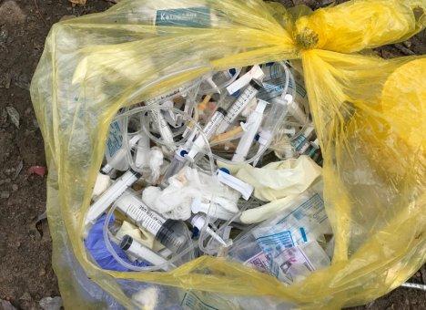 Прокурор поставил мусорщикам укол