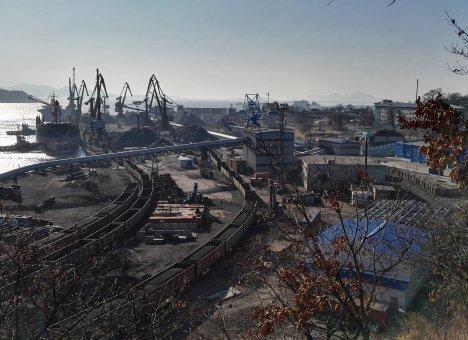 Один из самых пылящих угольных портов Приморья сократил перевалку угля на 15,4%