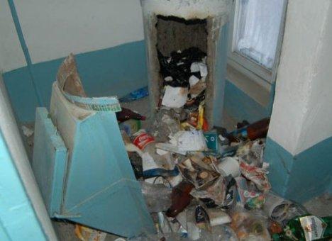В России предлагают законсервировать мусоропроводы в домах