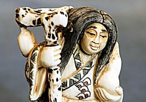 Во Владивостоке открылась выставка японской миниатюрной скульптуры