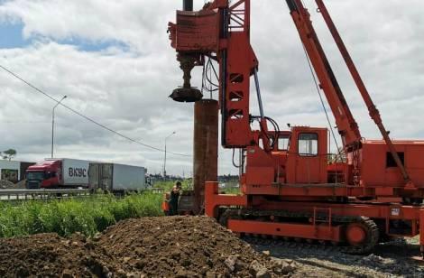 Во Владивостоке на опасном участке дороги построят новый пешеходный мост