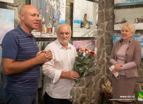 Выставка заслуженного художника России Сергея Черкасова открылась во Владивостоке