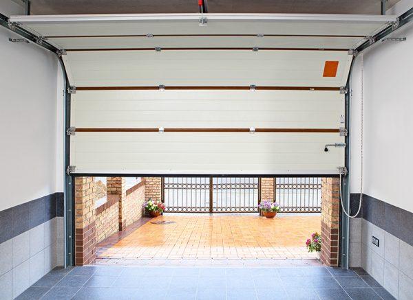 Надежные гаражные ворота по привлекательной цене