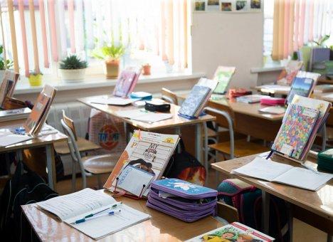 В Приморье рекомендовано освободить детей от школы в связи с ураганным ветром 3 сентября