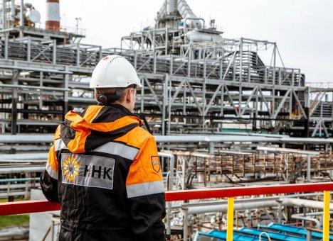 Работники нефтяной отрасли встретили профессиональный праздник