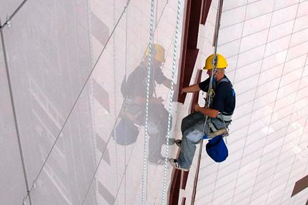 Качественный ремонт фасадного остекления в Харькове
