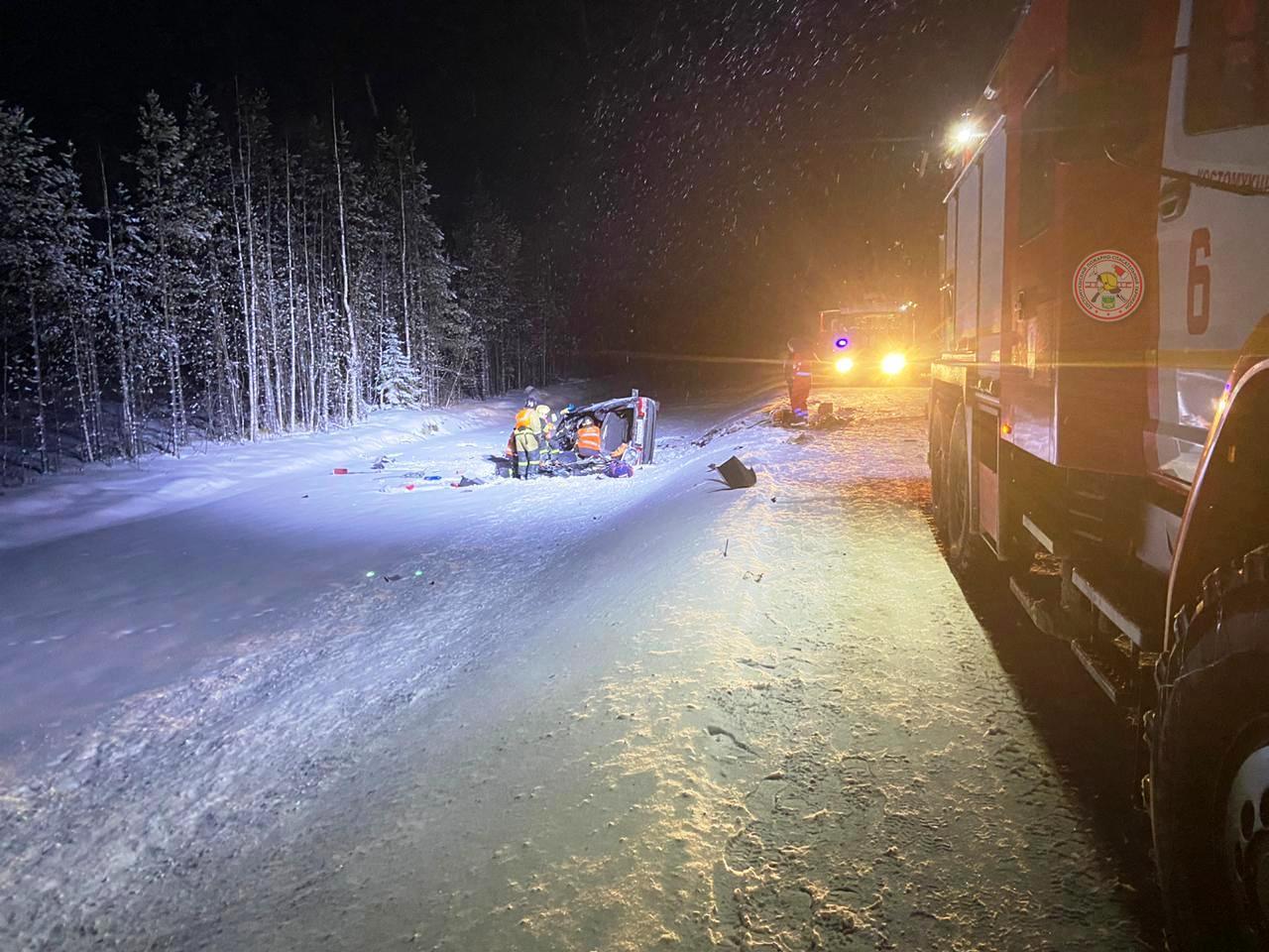 Спасатели опубликовали фото с места смертельной аварии на автодороге А-134 «Кочкома — Госграница»